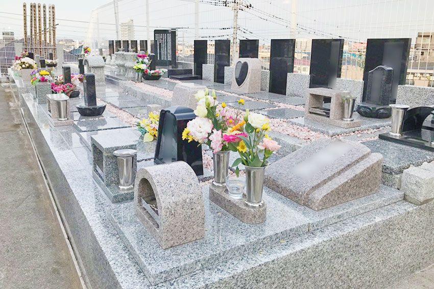 墓友葬聖地苑の墓石