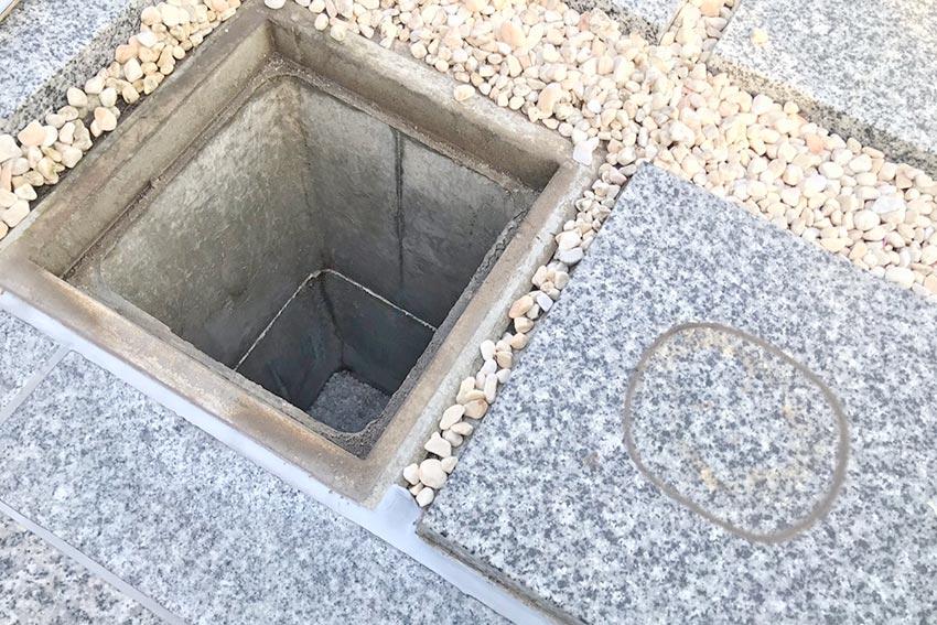 墓友葬聖地苑の骨壺スペース内部(カロート)