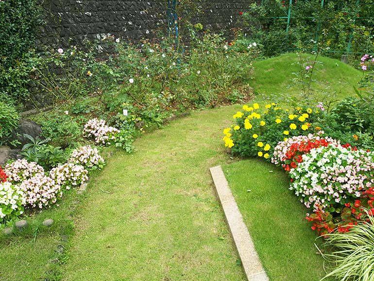 西東京墓苑 霊園を彩る季節の花々