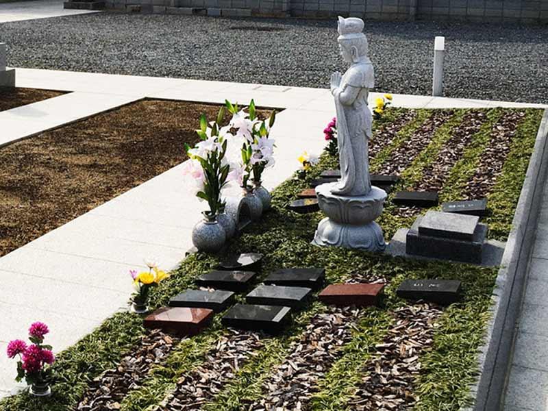 西成樹木葬墓地 日の当たる墓域