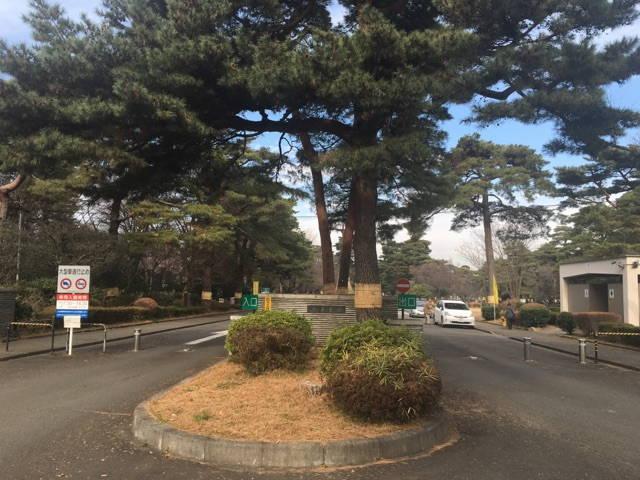 都立 小平霊園 小平駅から徒歩3分の所にある霊園入り口