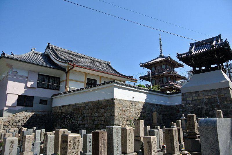圓妙寺の墓地区画