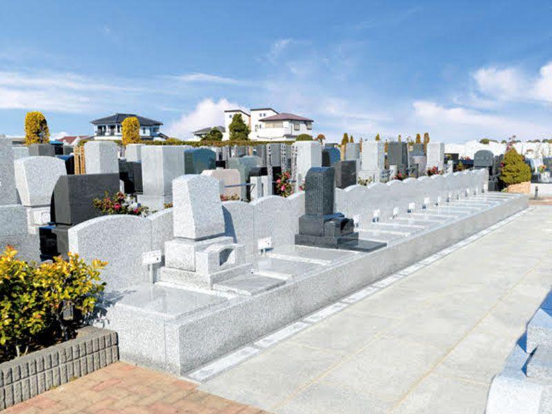 しらこばとメモリアルパーク 屏風が付いた高級仕様の「新テラス墓所」