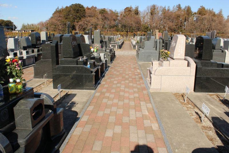 「むさしの聖地 永久の郷」の広い墓所