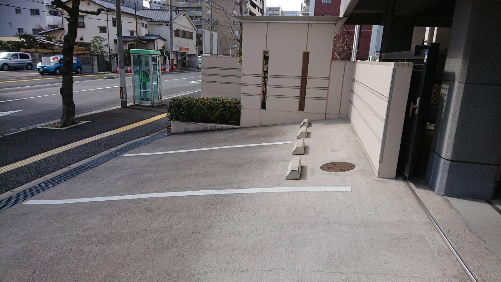 専光寺墓苑の駐車場