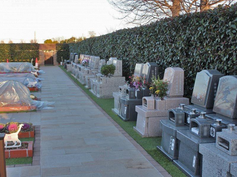 サニープレイス所沢 ペットと一緒に入れる区画がある墓域