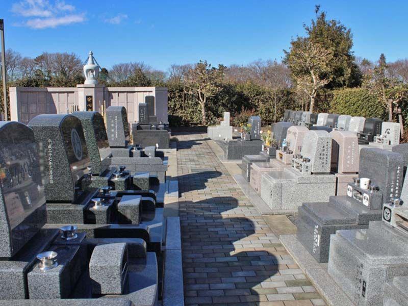 狭山やすらぎ霊園 洋型墓石が並ぶ墓域