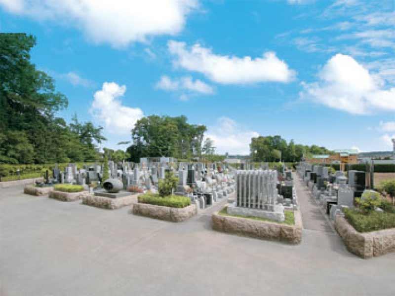 新光墓苑 開放的な苑内