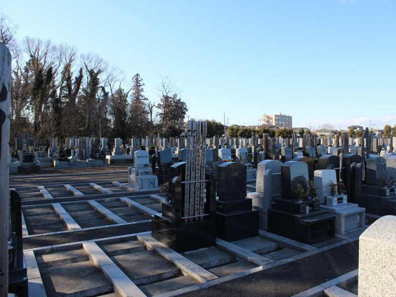 仏子聖地霊園 区画整備された墓地