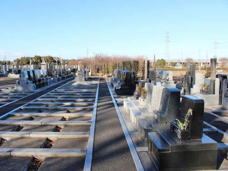 仏子聖地霊園 御影石が美しい墓石