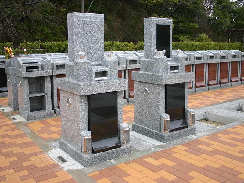 枚方紫峰霊苑 区画整備された墓域
