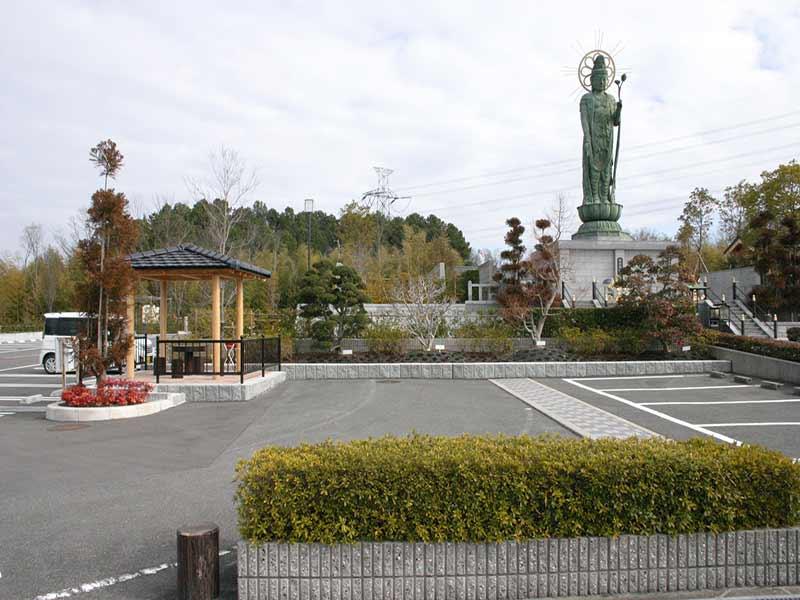 枚方紫峰霊苑 駐車スペース