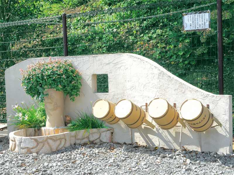 メモリアル富士見霊園 ガーデン風のモダンな桶置き場