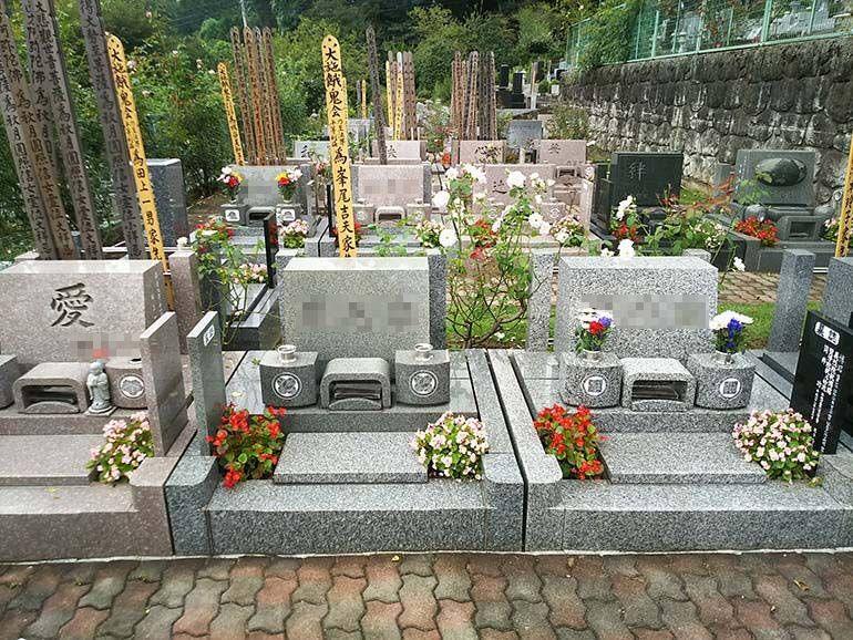 西東京墓苑 手入れの行き届いた植栽が美しい墓域