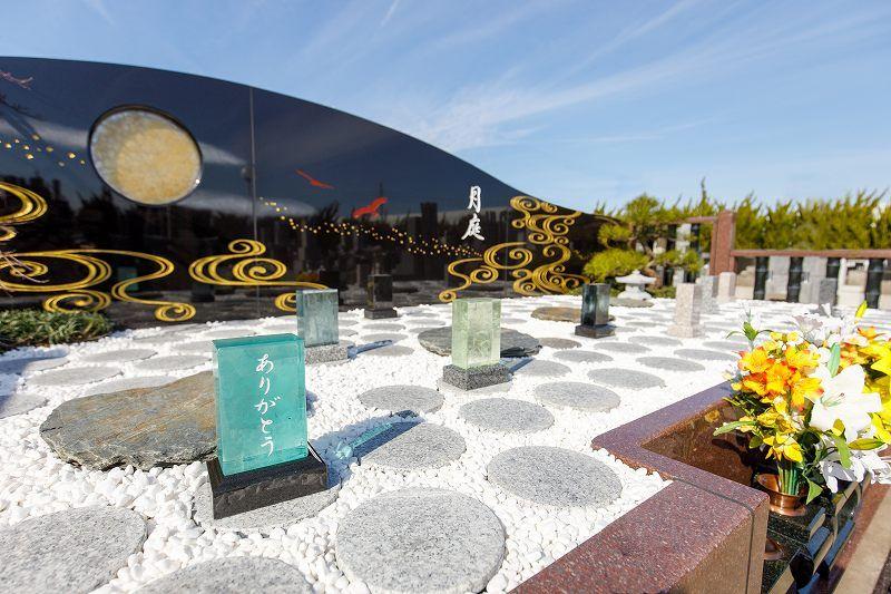 清勝院 区画ごとに設置された墓標