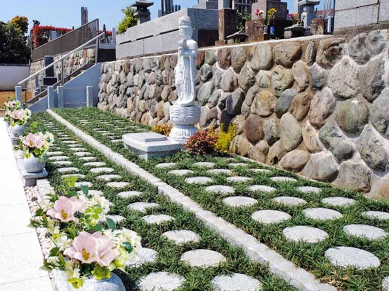 愛甲石田樹木葬墓地の樹木葬墓地