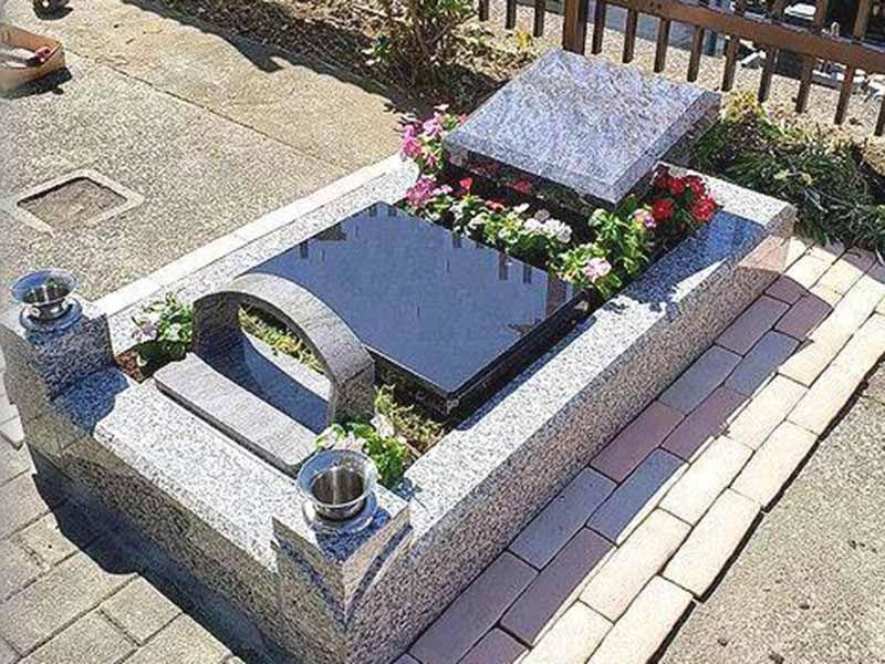 洗練されたデザインの樹木葬墓地