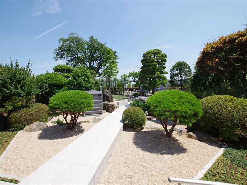 鶴ヶ島霊苑 開栄寺 永代供養墓・樹木葬 手入れの行き届いた庭園