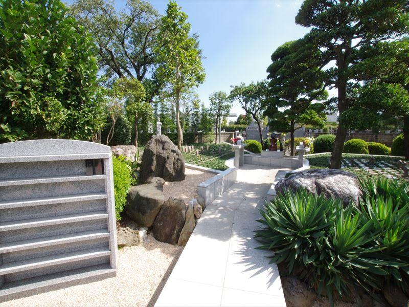 鶴ヶ島霊苑 開栄寺 永代供養墓・樹木葬 自然の中にある墓地