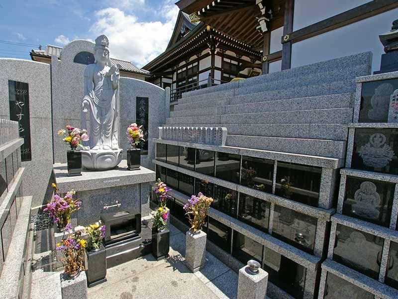 観音寺墓苑 永代供養墓 まだ余裕のある供養墓