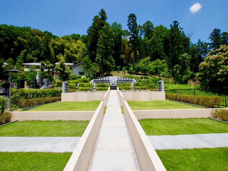 金澤寺墓苑 永代供養墓・樹木葬 自然豊かな苑内