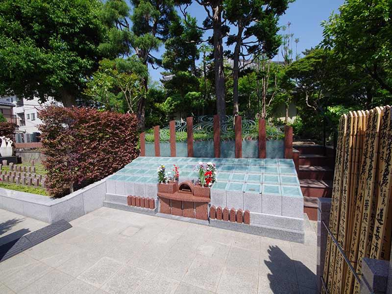 高應寺墓苑 永代供養墓・樹木葬 手入れが行き届いている墓域