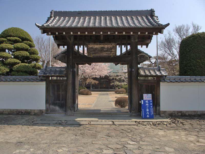 浄安寺墓苑 風情のある山門
