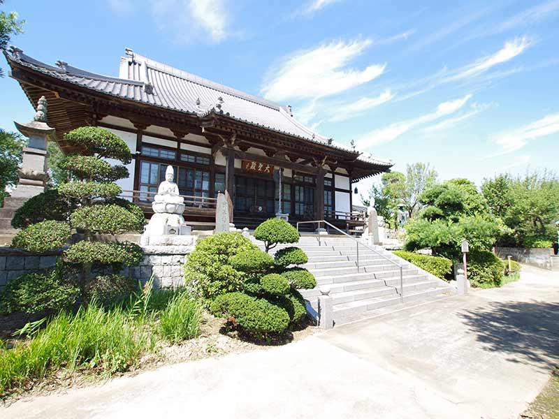 加須の杜霊苑 西浄寺 永代供養墓・樹木葬 自然に囲まれた本堂