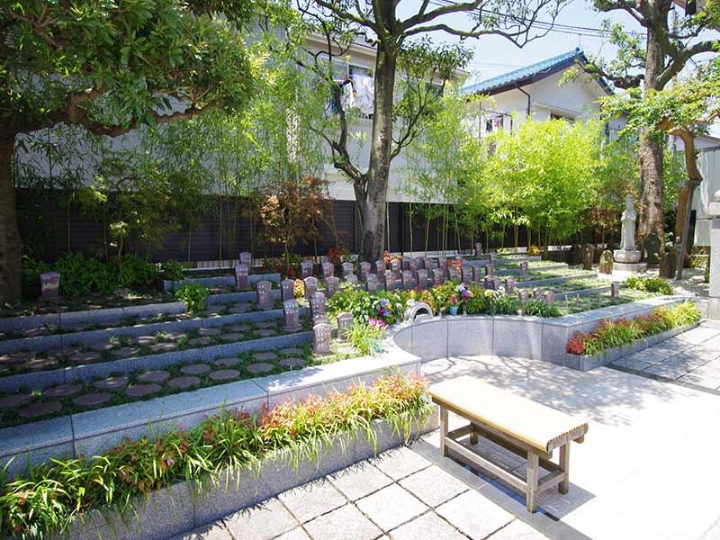聖徳寺 しらはた浄苑 永代供養墓・樹木葬 個別墓・家族墓などがある樹木墓