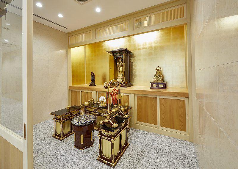白山御廟 法要施設内の祭壇