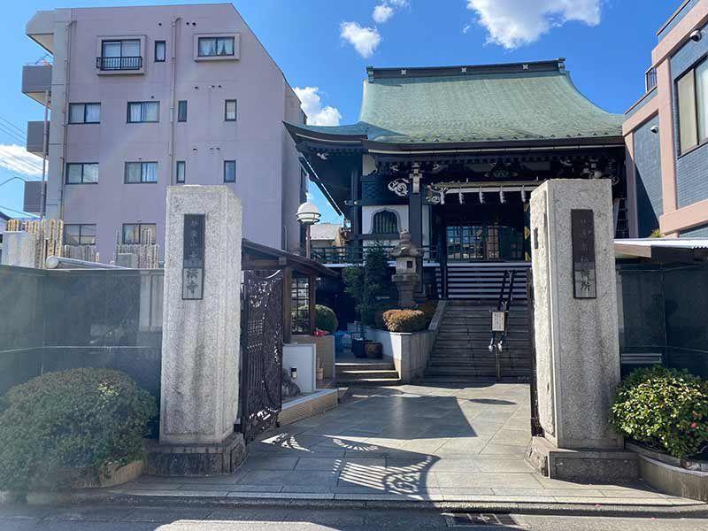 本法寺墓地 立派な入口
