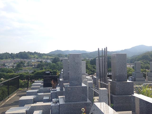 第二南多摩霊園 山並みを一望できる墓域