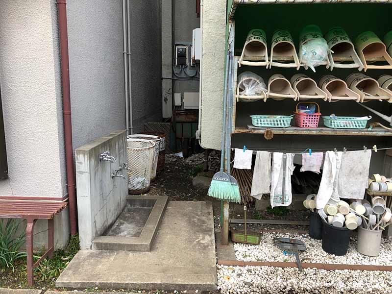 正善寺別院 仙川霊廟 趣のある水汲み場