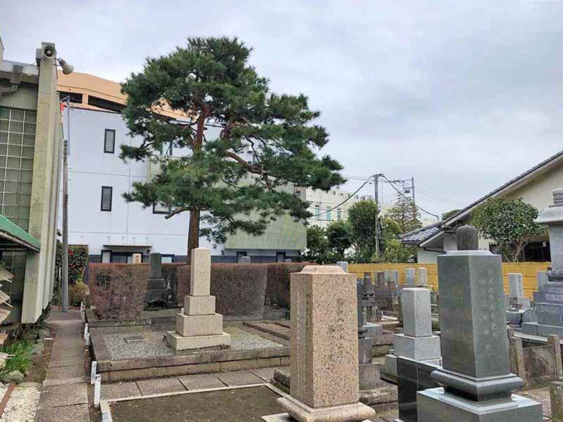 正善寺別院 仙川霊廟 閑静な住宅街の中にある墓域
