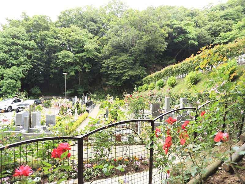 鎌倉やすらぎの杜 四季折々の自然を楽しめる墓域