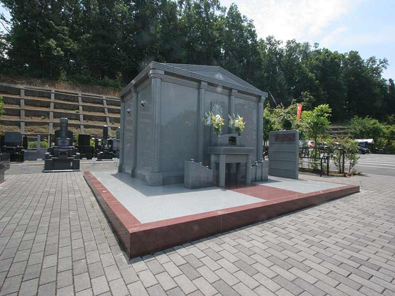 町田こもれびの杜霊苑 永代供養墓「悠久の苑」