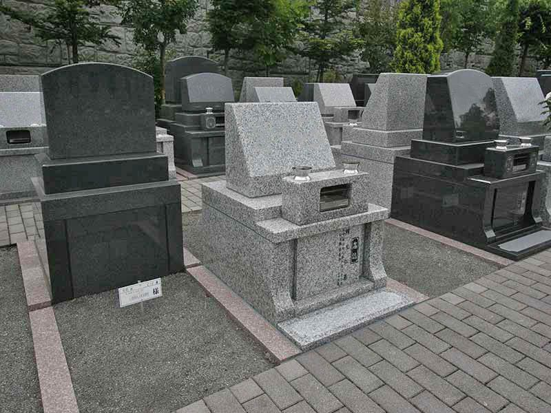 町田こもれびの杜霊苑 バリアフリー設計で安心してお参りできる墓域