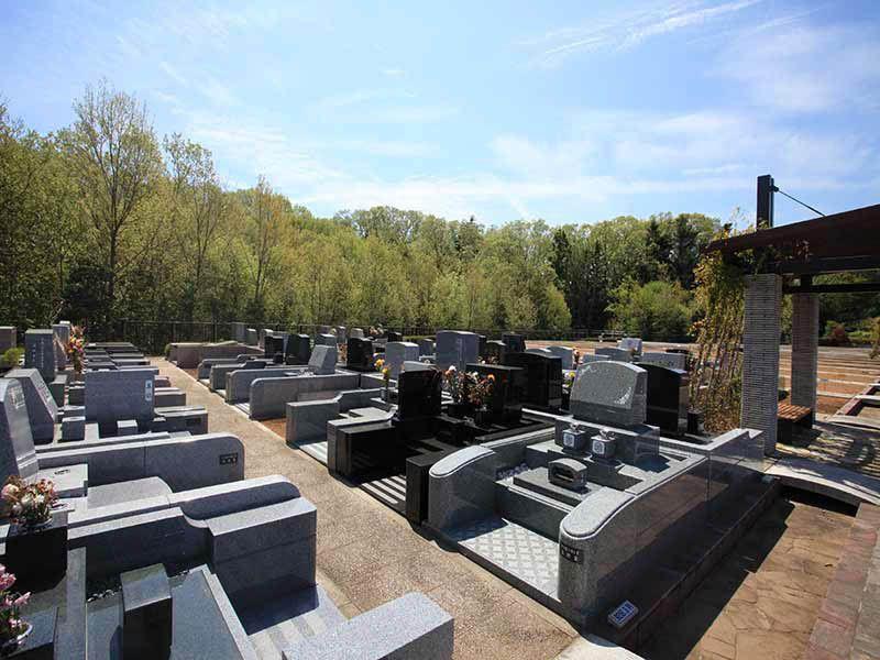 東京霊園 ゆったりとした区画の墓域①