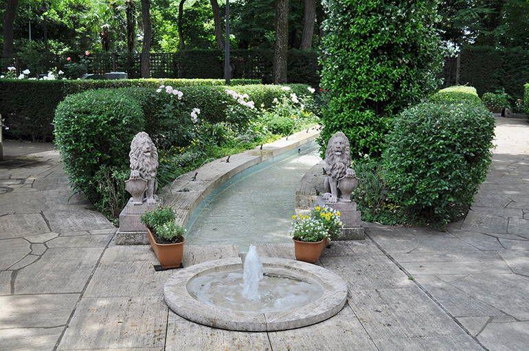 小平ふれあいパーク 霊園内の噴水
