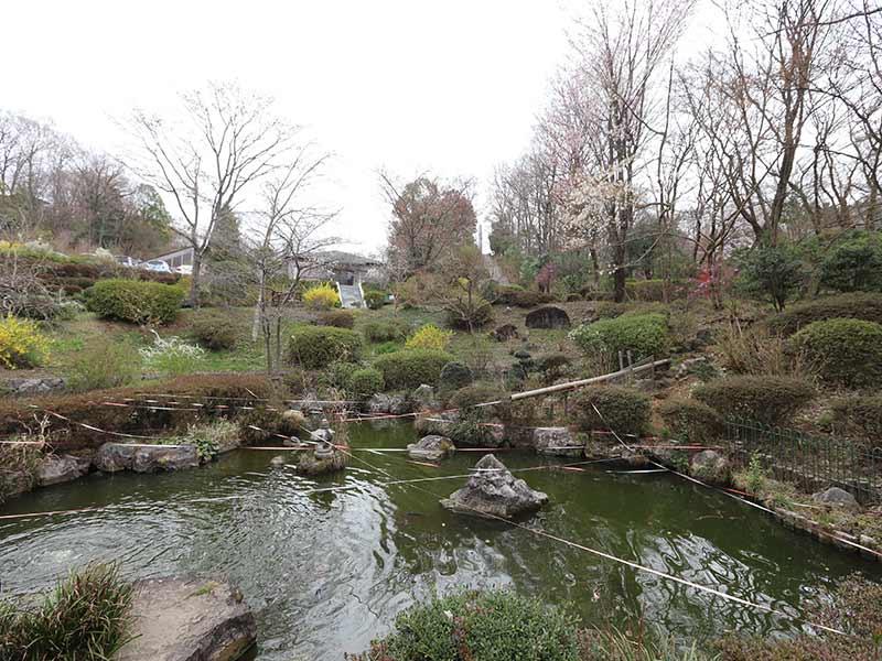 八王子 上川霊園の趣のある庭園