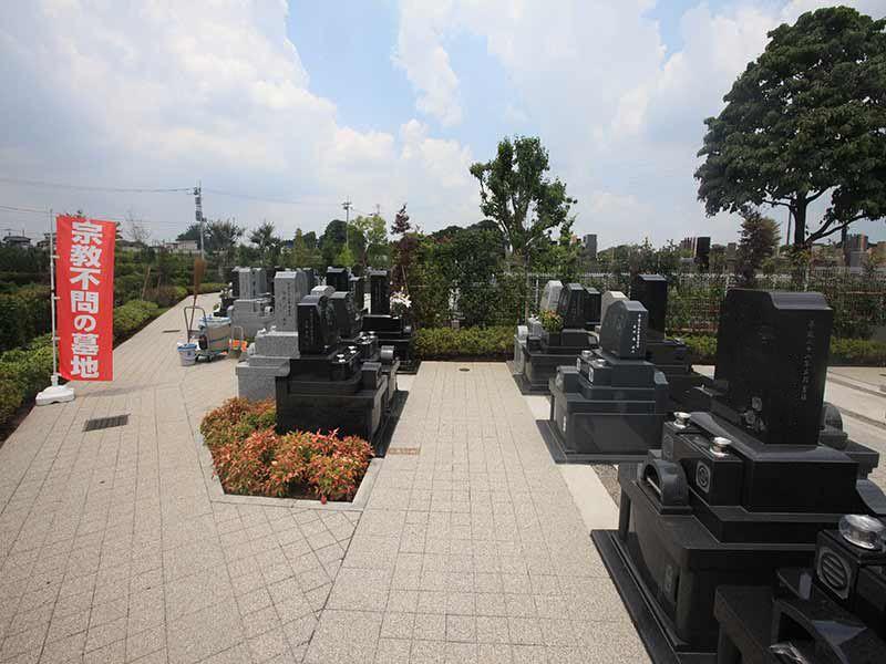 源長寺墓地まどかの杜 参道が広くお参りしやすい墓域
