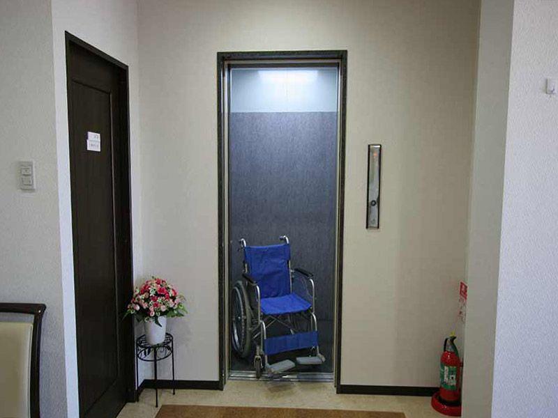 横浜あさひ霊園 管理棟内エレベーター完備