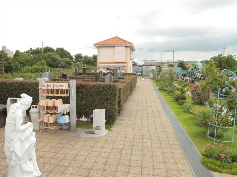 メモリアルパーク花の郷聖地 相模大塚 桶や柄杓を用意した水場