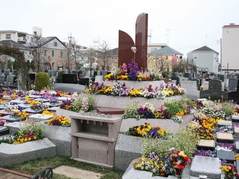 小平メモリアルガーデン ガーデニング型樹木葬「フラワージュ」 樹木葬「フラワージュ」献花台
