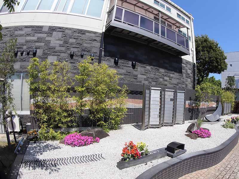 公園墓地 調布霊園 ついのしるべ きれいに整備された庭園