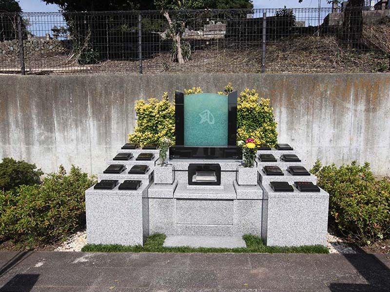 厚木やすらぎ霊園 永代供養型期限付き墓所「凛風墓」