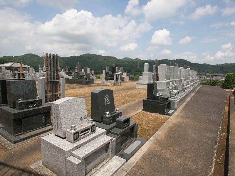 小川町青山メモリアルパーク 開放的な雰囲気の墓域
