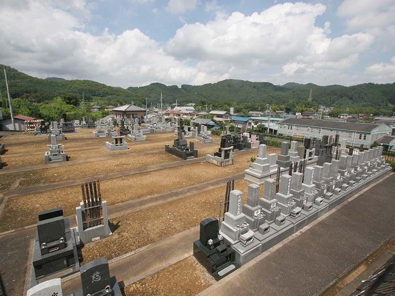 小川町青山メモリアルパーク 区画整備された墓域