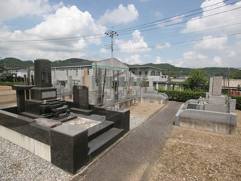 小川町青山メモリアルパーク 住宅街の中にある墓域