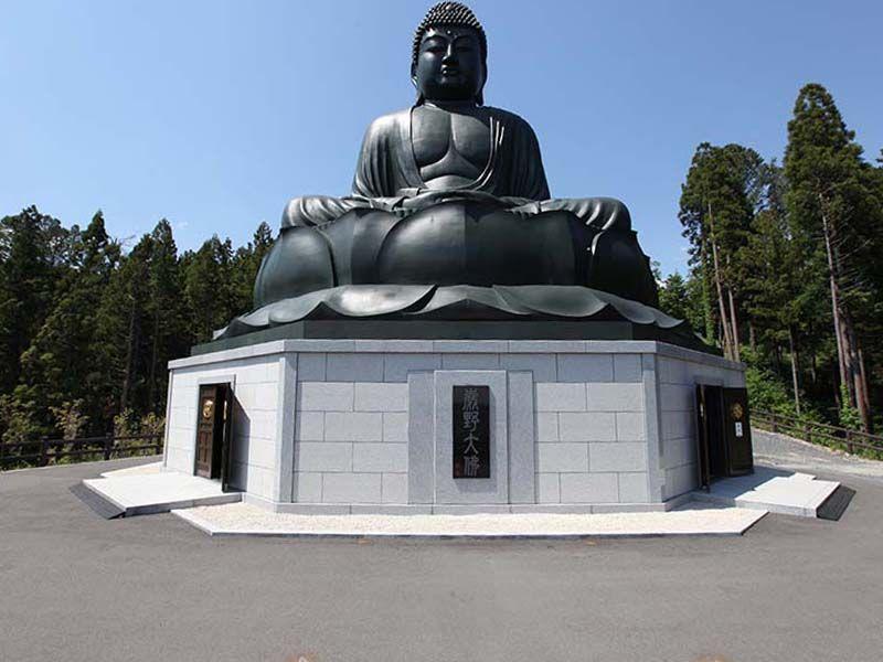 秋川霊園 日本三大座佛のひとつ鹿野大仏